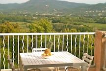 la 3ième terrasse avec vue sur le massif des Maures