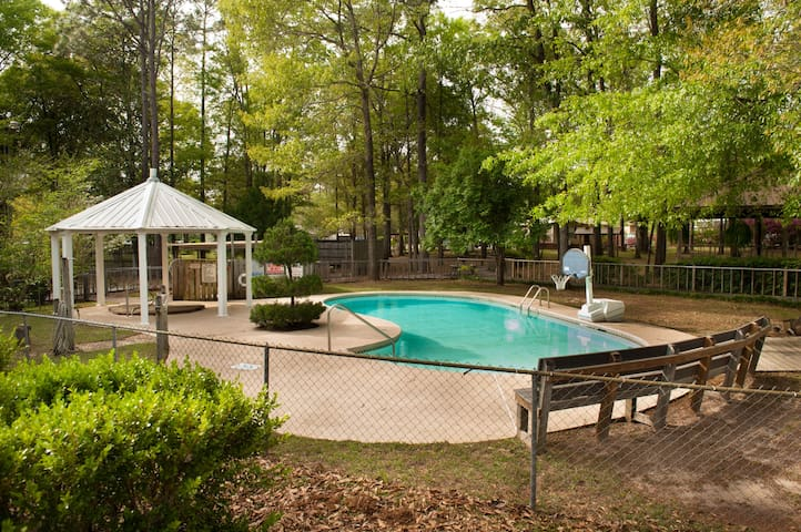 Pet Friendly Sunburst RV Resort Cabin Rentals