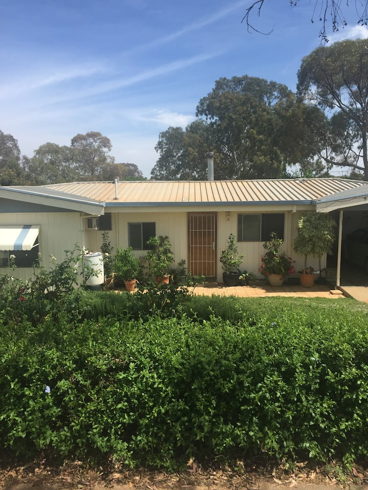 Kalgoorlie House - spacious  and comfortable.