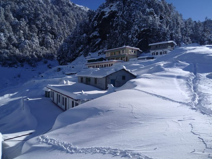 welcome to himrab home Stay chopta