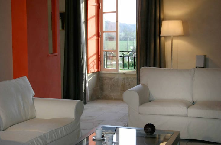 GREAT APPARTMENT IN A MANOR HOUSE - Corseul