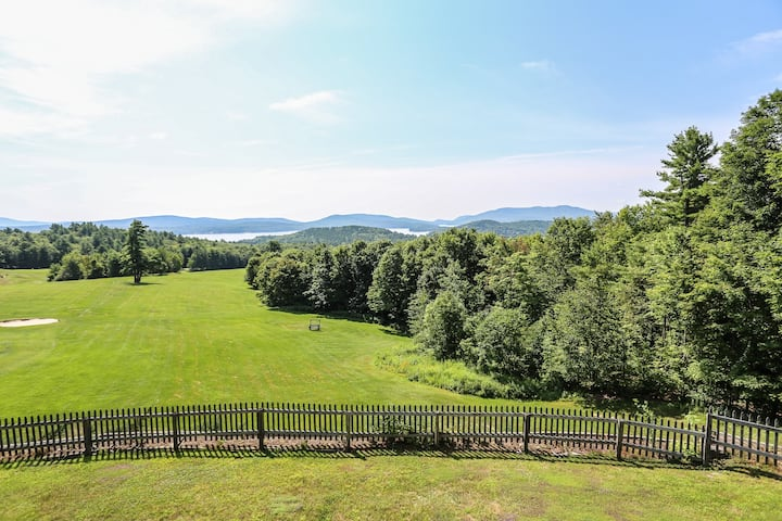 Four-Season Sunapee Condo w/Amenities and Views
