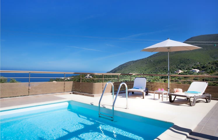 Villa Plage de Saleccia  with private pool