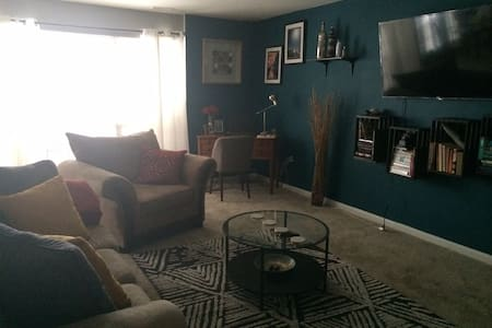 Clean and Cozy - Gloucester Township - 公寓