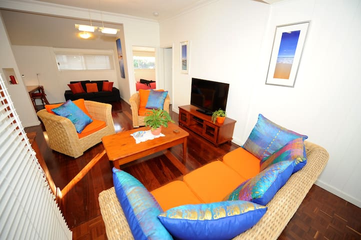 Trigg Beach Cottage - cute, comfy  - Trigg