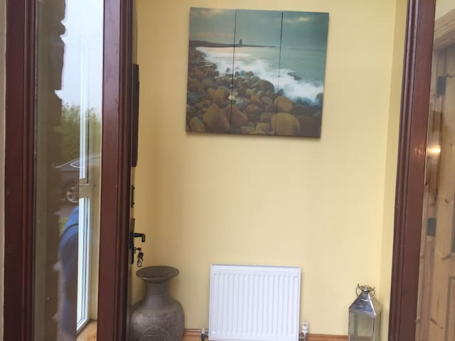 Relax-Travel-Cois-Chnoic-Classic-Dingle-Co.Kerry