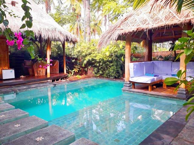 Villa Ilalang, private pool @ Meno Island Villas