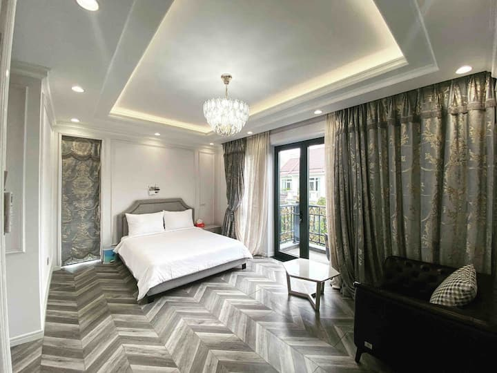 Villa 6brs  -private pool- District 7 -HoChiMinh
