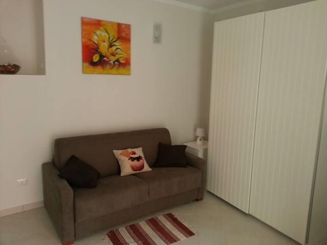 Mini appartamento Zazzà. Accesso in terrazza.