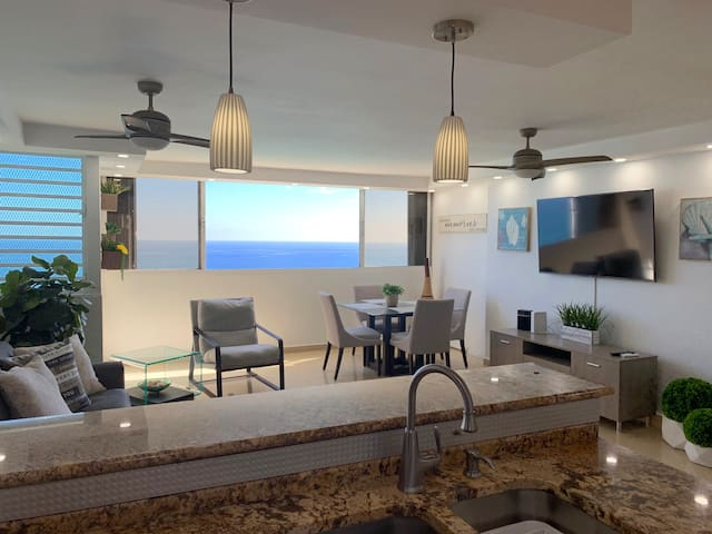 Modern Apt OceanFront/Condado/ Direct beach access