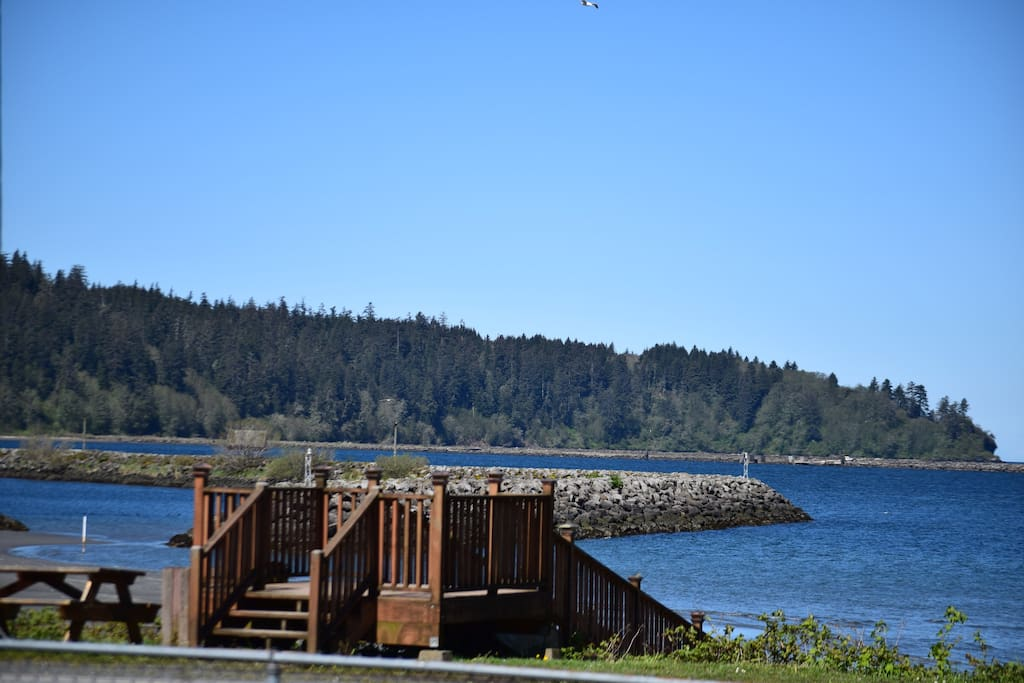 neah bay chat rooms Chat live or call 1-800-454-3743 any time for help booking your hotels in neah bay our team of experts can help you pinpoint neah bay hotels options suited to your tastes and budget forget orbitz change or cancel fees on neah bay hotels.