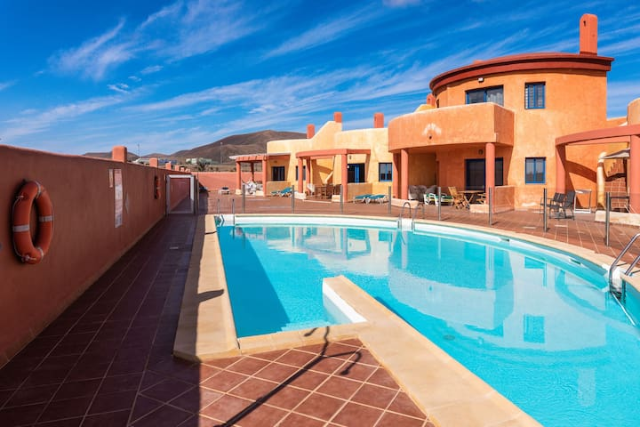 """Cosy Holiday Apartment """"La Vie est Belle"""" in Quiet Location with Pool, Wi-Fi & Terrace; Parking Available"""