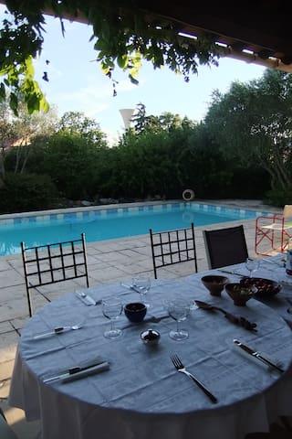 Charmantes Haus mit Garten und Pool - Canet - Villa