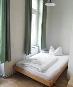 Room for 1-2 guests in Kreuzberg