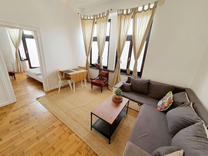 Lovely 1-bedroom apt. with balcony, Main Square.