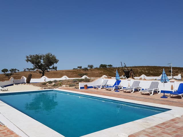 Casa Aguia, Spacious country house. Great views