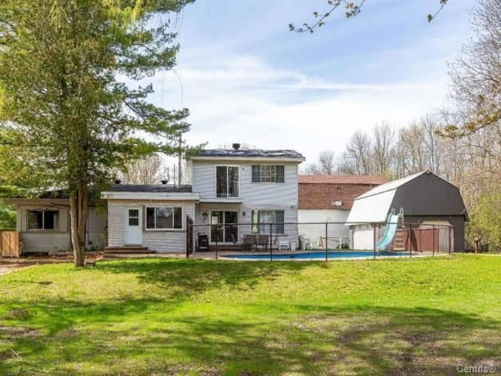 Beautiful 5 bedroom home with pool