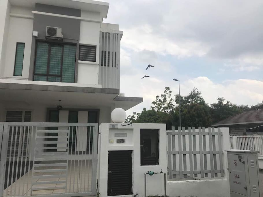 The house is  a Corner unit double story house. U will have privacy here❤️ as the house is not facing any other house..  The neighbourhood is a safe and friendly neighbourhood.