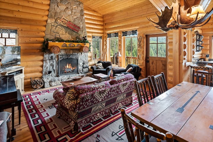 RENT FOR THE SEASON ONLY -  BEST Ski in/out at Schweitzer
