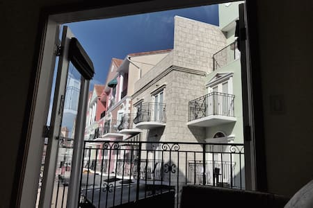 European Village Suite B, Balcony View Near Beach! - Palm Coast - Wohnung