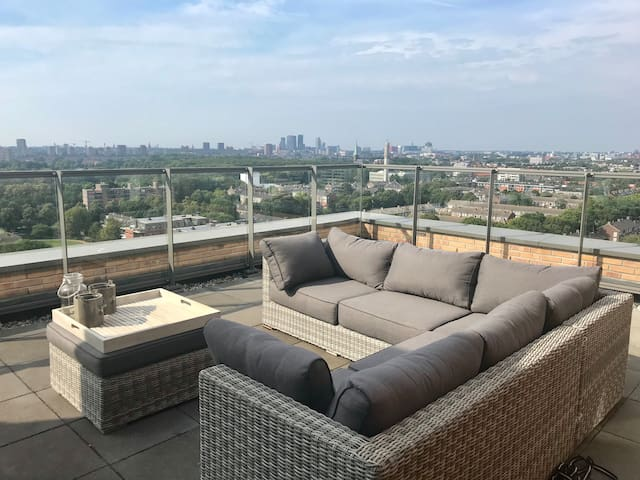 Beautiful penthouse/top floor apartment Rijswijk