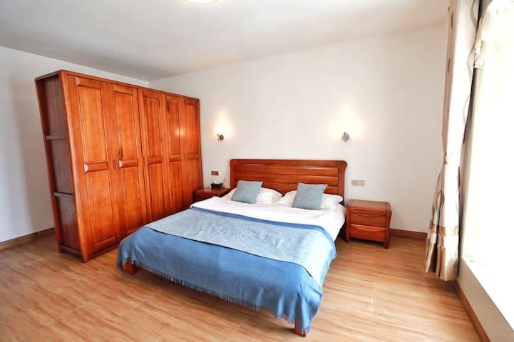 客房 1.8加大双人床