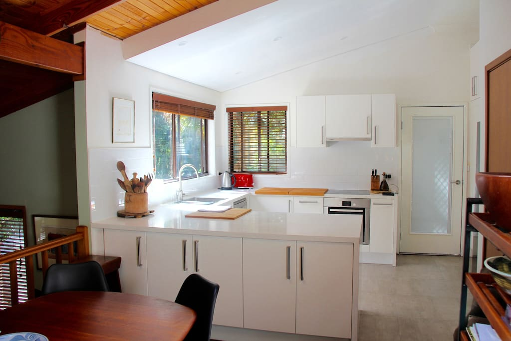 Entertainers delight. Stunning kitchen fully equipped