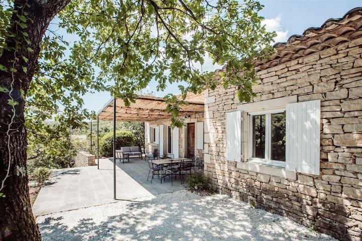 Villa Gordes, piscine chauffée et boulodrome