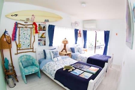 Western Room With the perfect Ocean View #surfrentalsjapan #surfandstay #stayandsurfjapan #surfboardrental #oceanhousejapan #japanbeachhouse #surfinginjapan #japansurf #surfjapan #chiba #hebara #katsuura #Japan #ichinomiya #千葉 #部原 #勝浦 #日本