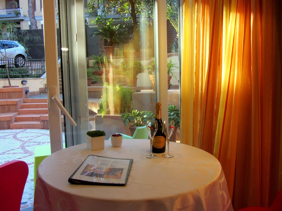 Breakfast Area with Garden View