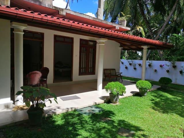 Kumudu Villa