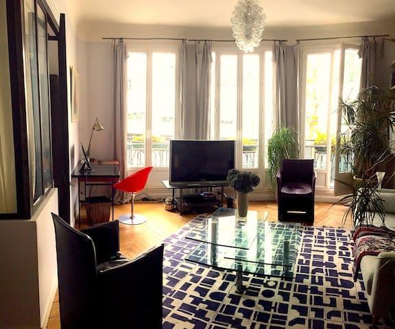 Appartement 3 pièces entre Bastille et République