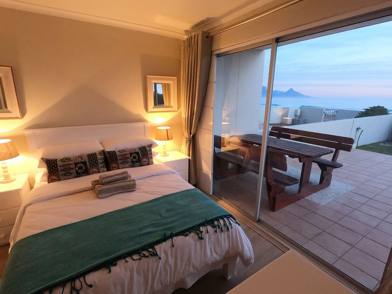 Bedroom with sea view & view of Table Mountain