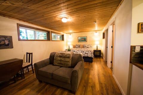 The Suite - Skeena River House Bed + Breakfast