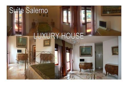 Suite Salerno