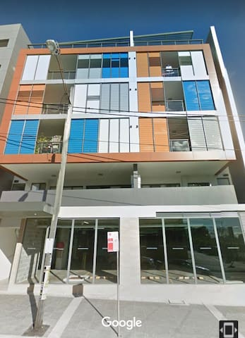 2-Bedroom Apartment Short Term Rent.  1 Car space