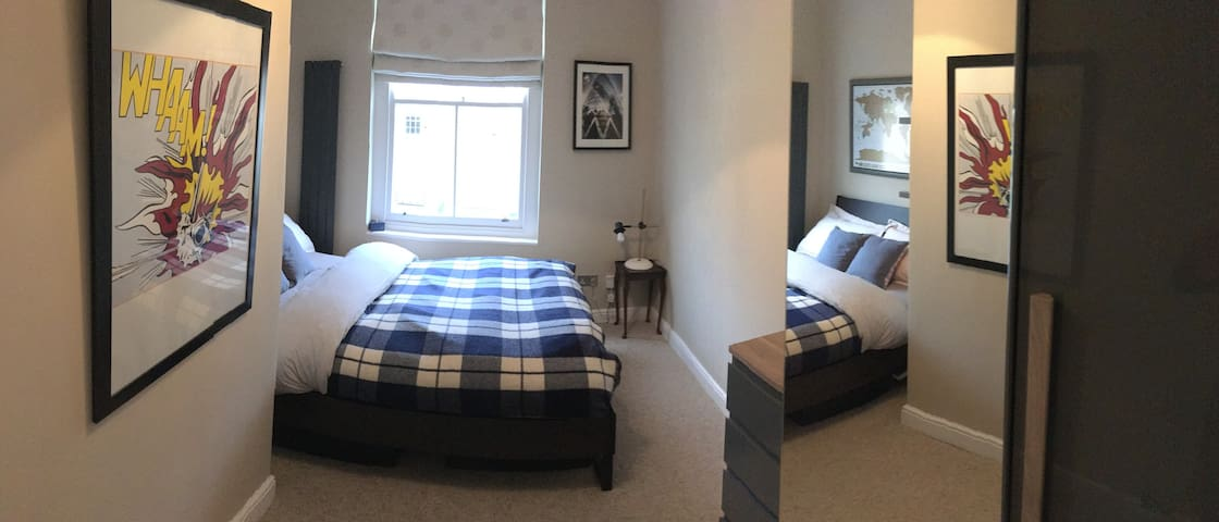Bright double room in clean and well located flat - London - Lägenhet