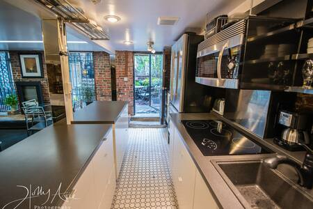 1Studio WalkOutToPatio..CloseToBus,T,HistoricSites - Boston - Apartment