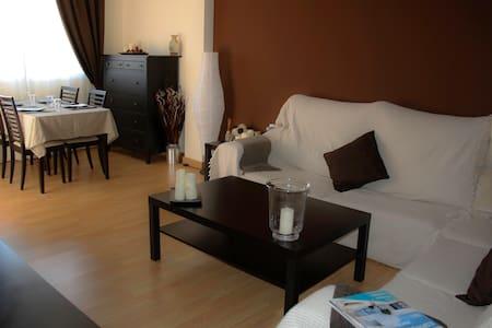Cozy duplex Sea/mountain with Wifi - Las Gabias - Appartement
