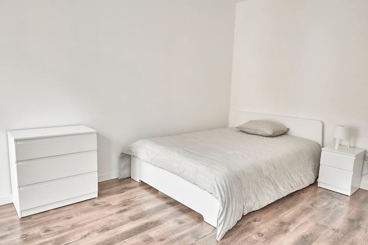 1 Spacious Room in a 90m2 app. in Lux-City Center