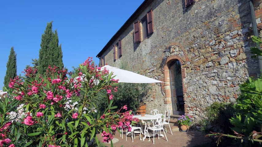 Acasa: a house for 10 in Tuscany's heart with pool - Volterra - Casa