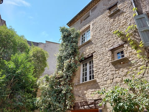 17th century townhouse with terrace, Forcalquier