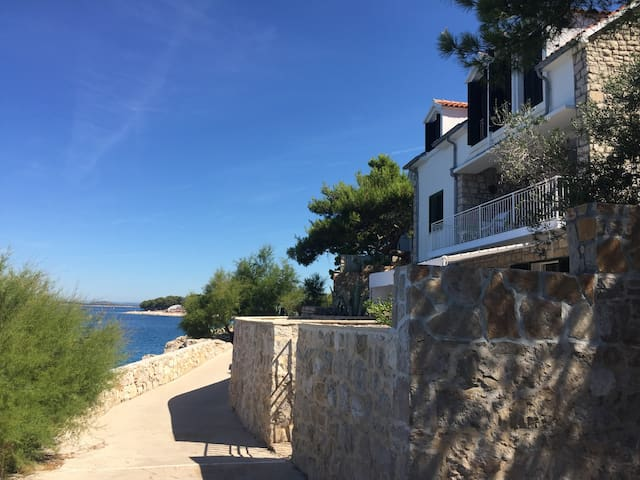 Apartment with amazing sea view - Primošten - Appartement