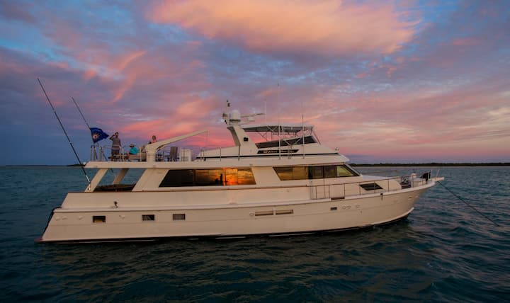 82' Luxury Yacht | Private Marina | Charters