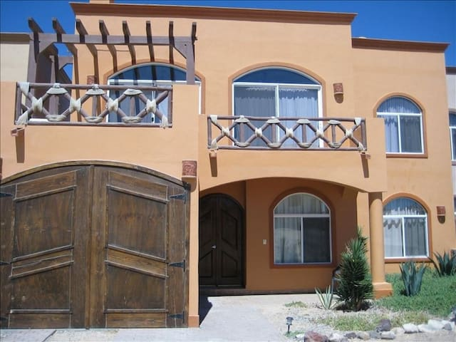 Roomy Family friendly Las Conchas 3 bed 3 1/2 bath - Puerto Peñasco - บ้าน