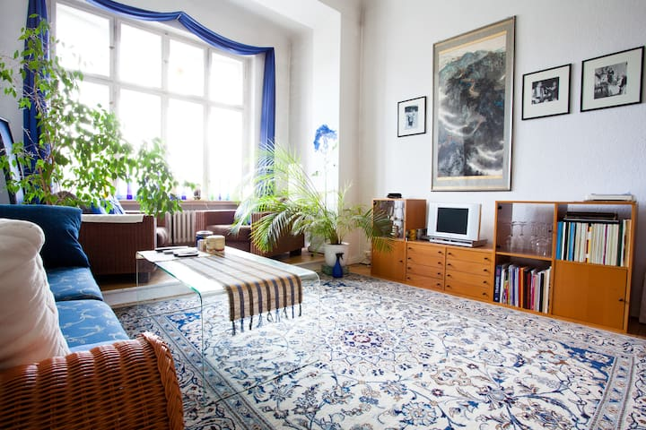 80 m² full of charm, flair & light - Berlin - Apartment