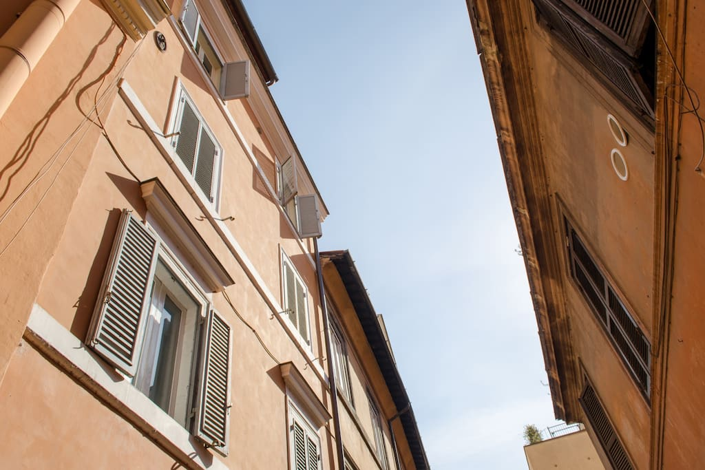 a view of Old Rome neighbourhood from the apartment