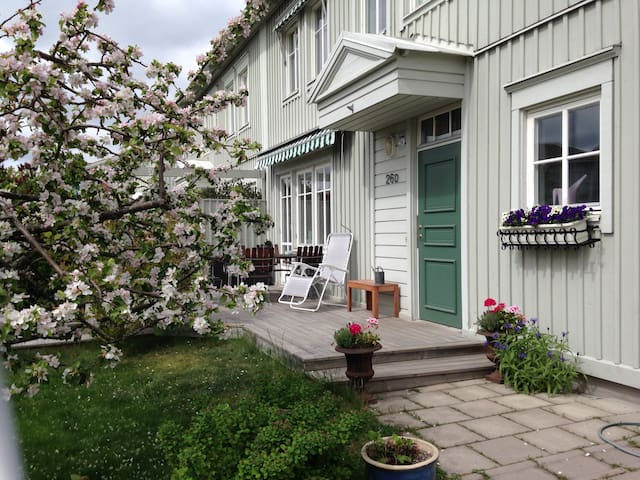 Nice townhouse close to sea - Täby - Hus