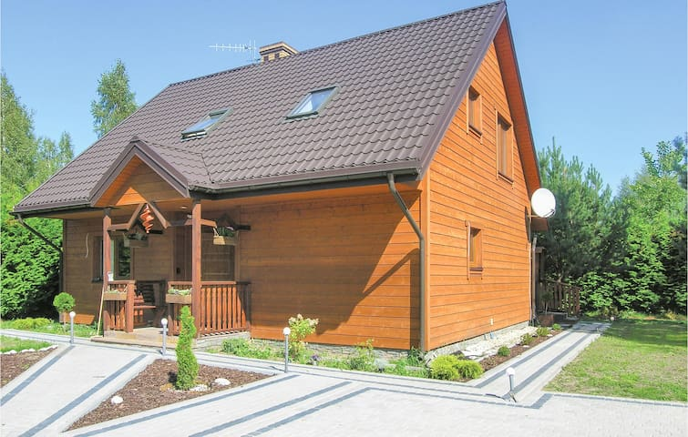 Holiday cottage with 4 bedrooms on 150m² in Pisz