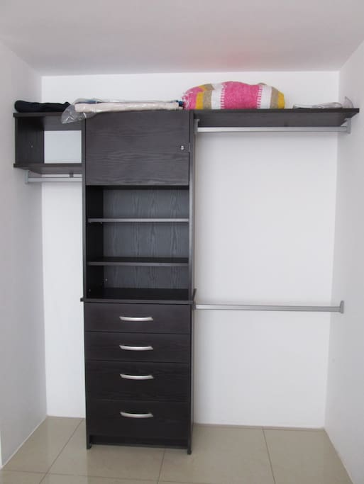 Closet, bed linen and security drawer.